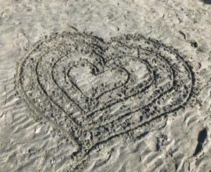 sand art heart